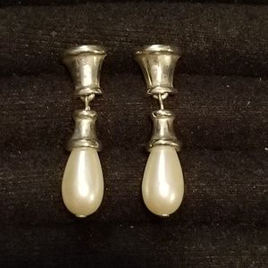 Vintage  authentic  Givenchy Paris-New Y earrings.